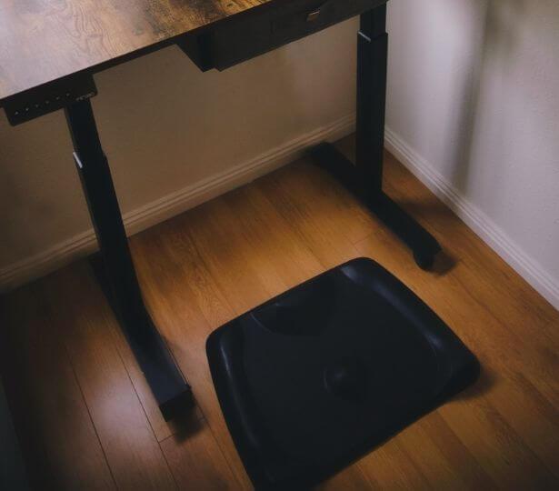 standing-mat-black