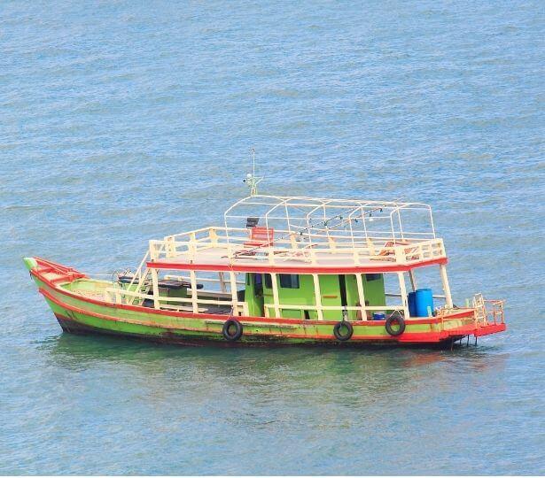 green-fishing-boat (1)